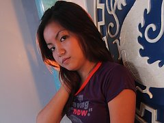 Sweet young Filipina Ashley caught on cam getting...